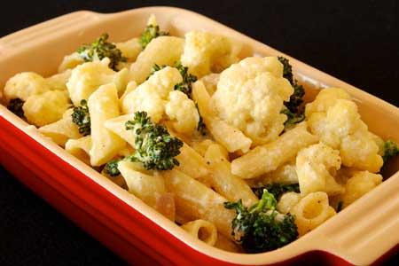 Broccoli or Cauliflower Pasta