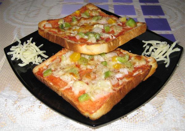 Tomato Bread Pizza