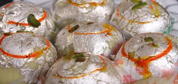 Cham Cham Bengali Sweet