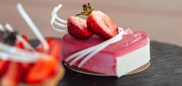Fresh Strawberry Cheese Cake Eggless